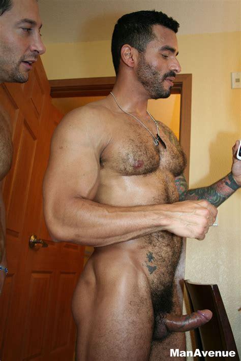 Aish Naked