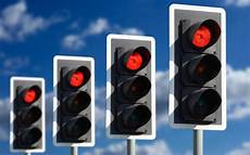Green Light On Car Uk Calls For Traffic Lights To Be Switched Off As Study Finds