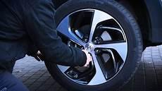 Rad Wechseln Werkzeug Auto by Reifen Wechseln Autoplenum De