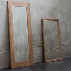specchio con cornice in legno lf specchio ethnicraft con cornice in legno diverse
