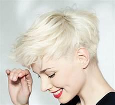 kurzhaarfrisuren asymmetrisch blond pixie undercut moderne kurzhaarfrisuren asymmetrischer