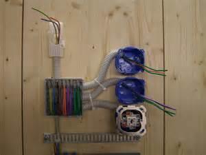 le mit 2 schaltern kreuzschaltung anschliessen und verdrahten elektricks