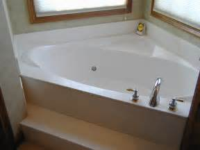 what are the dimensions of a bathtub what are the dimensions of a standard bathtub useful