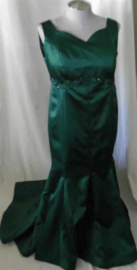 beautiful emerald green dress beautiful emerald green curvy gown with train 2604975