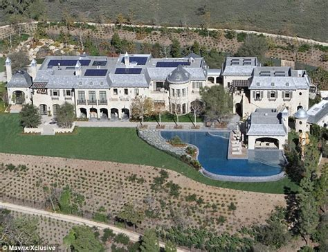 tom brady house gisele bundchen and tom brady s eco friendly house star map los angeles