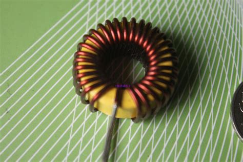 20 mh iron inductor iron inductor 100uh 10a yellow ring toroidal inductor magnetic inductance coil 9026 into