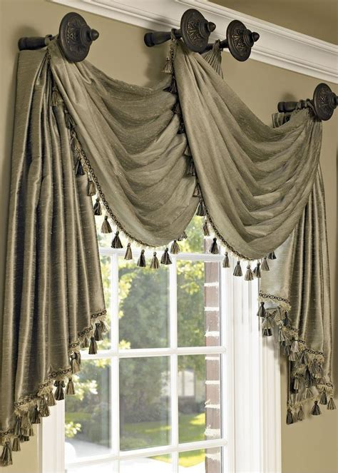 drapes and swags 342146cdc0f4231a1331f4ca28b3a38f jpg 731 215 1 024 pixels
