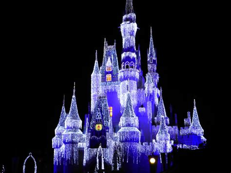 magic kingdom christmas lights by lionkingrulez on deviantart