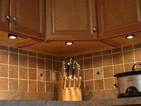 undermount lighting kitchen cabinets 4 types of under cabinet lighting pros cons and