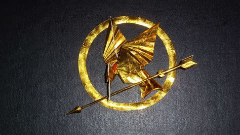 Mockingjay Origami - origami mockingjay from hunger by orudorumagi11 on