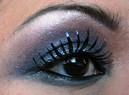 Tutorial How To Get That Fabulous Smoky Look by Makeup Tips For Smoky