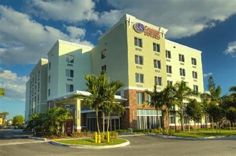 comfort inn miami comfort suites miami airport north updated 2017 prices