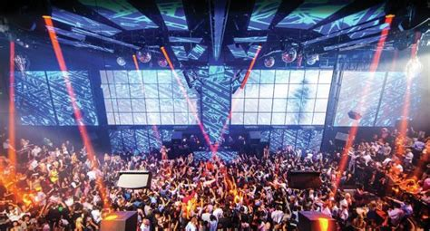 mandalay bay top floor bar top 100 clubs djmag com