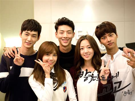 film korea terbaik untuk remaja kembali hadirkan cerita cinta remaja sma yuk kenali 5