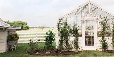 joanna gaines greenhouse 812 best chip joanna s quot fixer upper quot images on pinterest