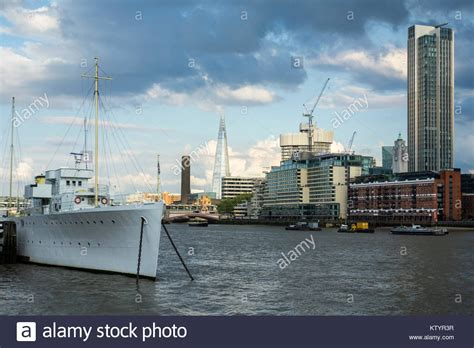 thames river cruise south bank thames ship stock photos thames ship stock images alamy