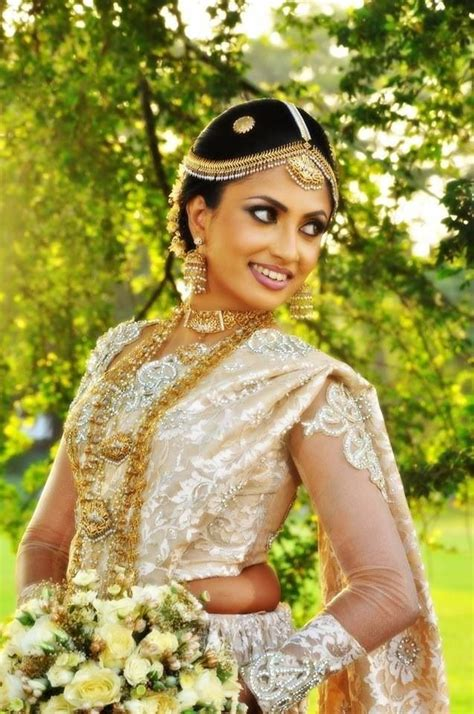 hairstyles for sarees in sri lanka 28 best sri lankan kandyan images on pinterest marriage
