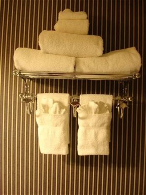 how to fold bathroom towels decoratively how to hang bathroom towels decoratively how to hang