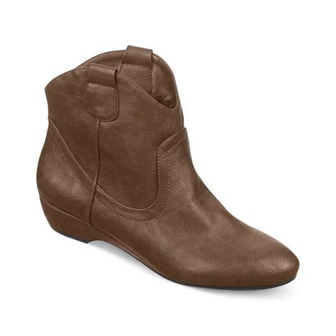 fergie fergalicious boots badge demi wedge cowboy booties