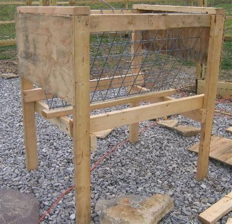 Goat Feeders Hay Rack by Best 25 Diy Hay Feeder Ideas On
