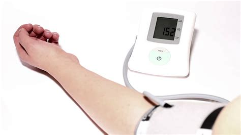 how to monitor blood pressure at home offline clinic
