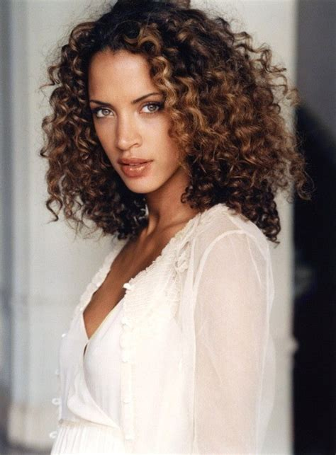 noemie lenoir curly