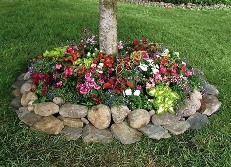river rock flower bed 20 best ideas about rock flower beds on pinterest