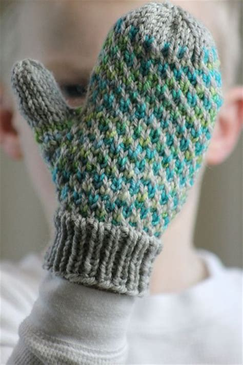 knitting mittens with two needles 17 best ideas about knitted gloves on