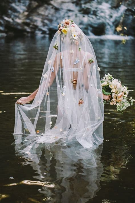 25  best ideas about Flower Veil on Pinterest   Flower