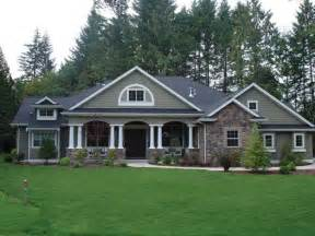 Craftsman Style Ranch Home Plans by Charming And Spacious 4 Bedroom Craftsman Style Home