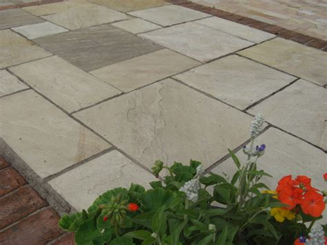 sandstone patio d