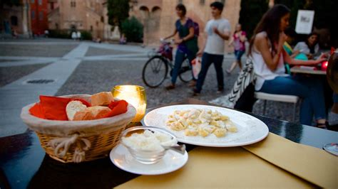 Balonia Dals bologna holidays cheap bologna packages deals expedia au