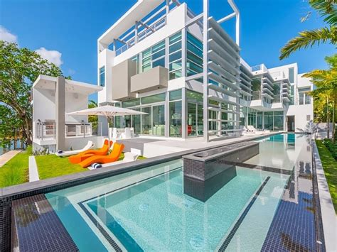 Miami Modern Oceanfront Glass House On Vrbo Miami House Rentals Oceanfront