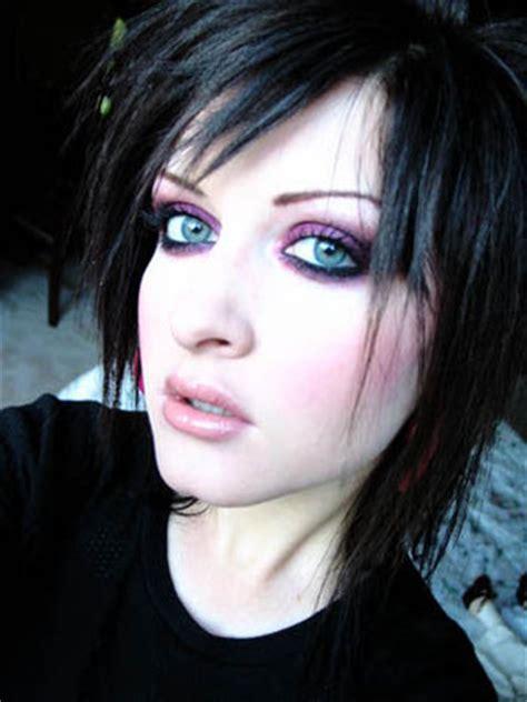imagenes de ojos emo maquillaje de ojos emo con un l 225 piz maquillaje de noche