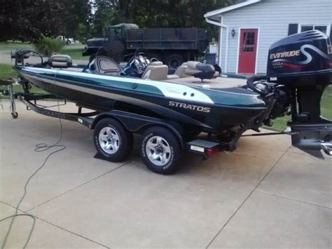 bass boats for sale under 2000 2000 stratos 20 ss extreme bass boat 225 evinrude