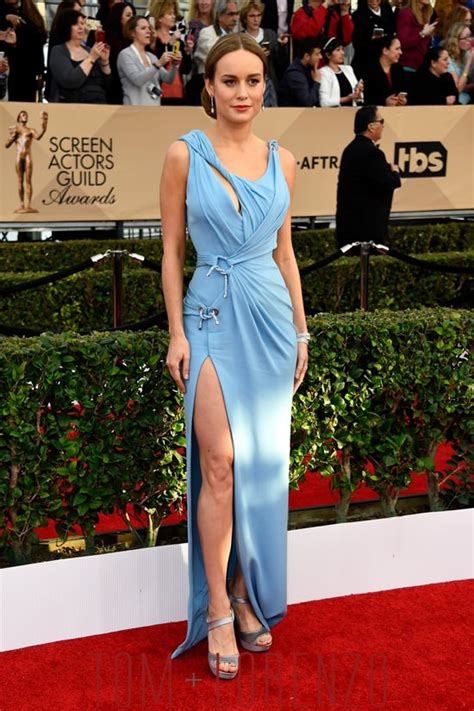 Fashion The Sag Awards Who Looked Great Who Not So Much Second City Style Fashion by Sag Awards 2016 Brie Larson In Atelier Versace Tom