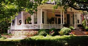 ranch home plans with front porch