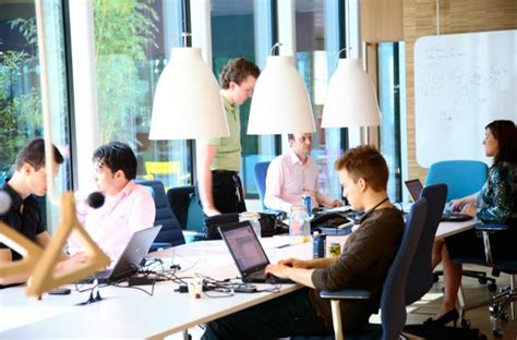 Advantages Of Desking To The Employee by Microsoft Hotdesking In Amsterdam Myeoffice