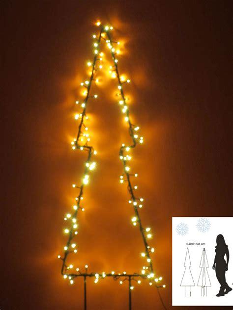 tannenbaum beleuchtung garten im quadrat weihnachtsbeleuchtung au 223 en tannen