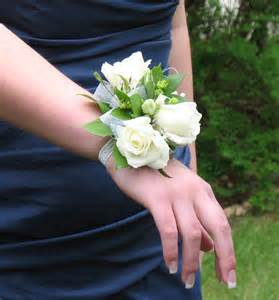 boutonnieres and corsages prom corsages and boutonnieres 2014 invitations ideas
