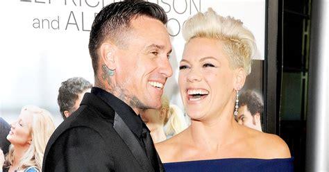 carey hart hair pink laughs off carey hart divorce rumors in funny post