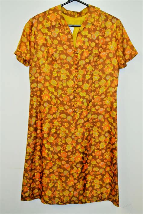 wholesale vintage collection from dresses blouses skirts etc at