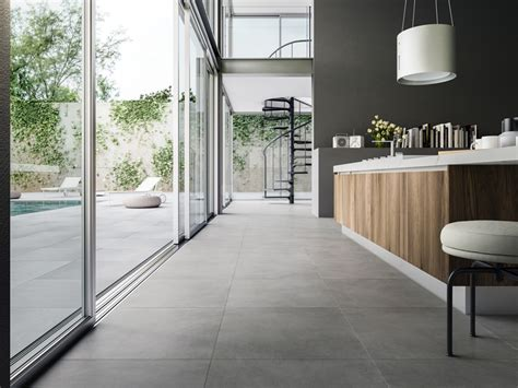 pavimenti refin ceramiche refin sizes things up with wide collection of