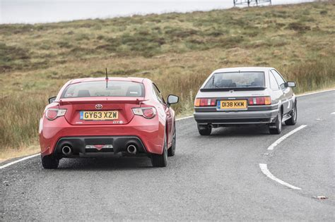 toyota cars and toyota sports cars past and present ae86 vs gt86 toyota