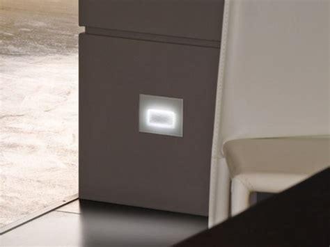 lombardo illuminazione prezzi segnapasso a led in alluminio e vetro stile next 503