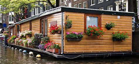 galleggianti amsterdam dormire in una casa galleggiante amsterdam