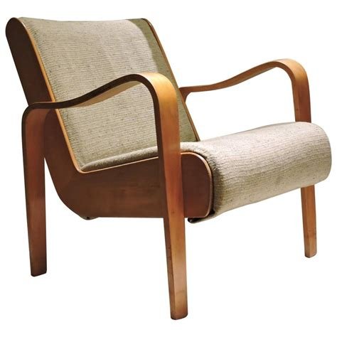 Bent Wood Lounge Chair by Thonet Bentwood Lounge Chair At 1stdibs