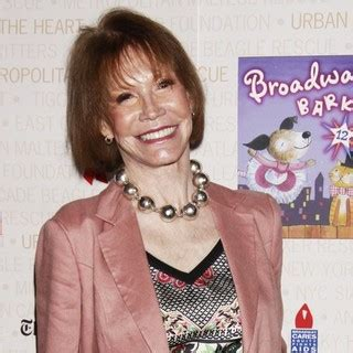 mary tyler moore picture 19 opening night of the mary tyler moore picture 19 opening night of the