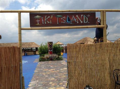 foyer invicta 900 grande vision tiki bar island tiki island american restaurant in