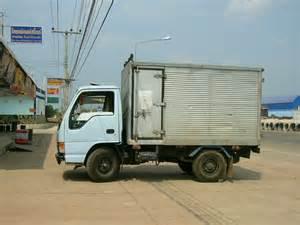 Isuzu Small Truck File Small Isuzu Truck Side View Jpg